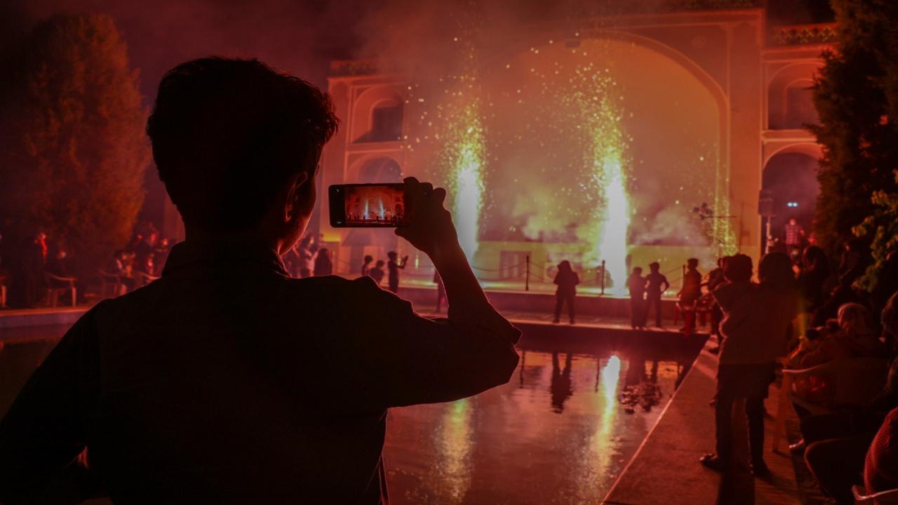 درخشش نگین سبز شهر حمیدیا در شب میلاد امام زمان(عج)/برگزاری ویژه برنامه جشن نیمه شعبان در بوستان ناجی